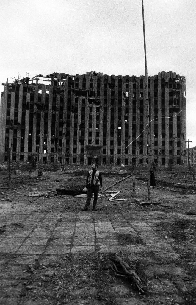 As part of the IOM research, Cemil Alyanak traveled to Grozny at the height of the conflict in 1995.